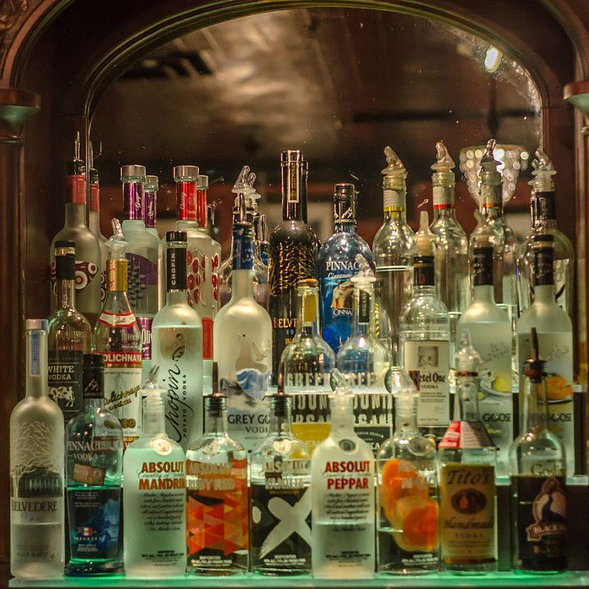 About R 237 R 225 R 237 R 225 Irish Pub Burlington
